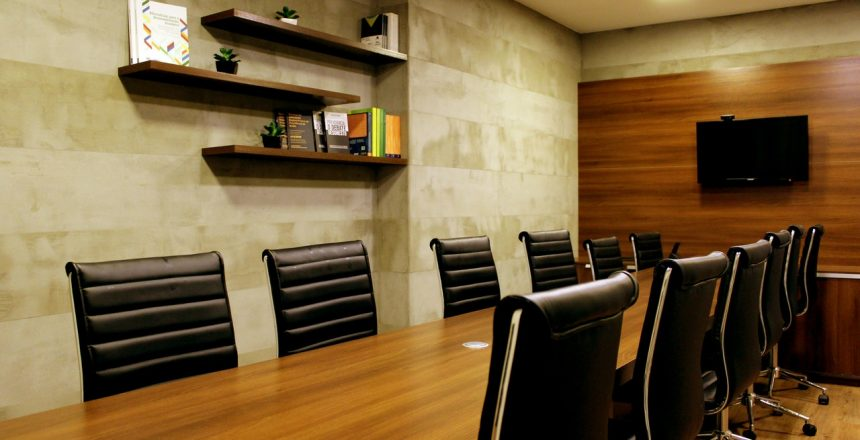 black-padded-leather-office-chairs-2976970